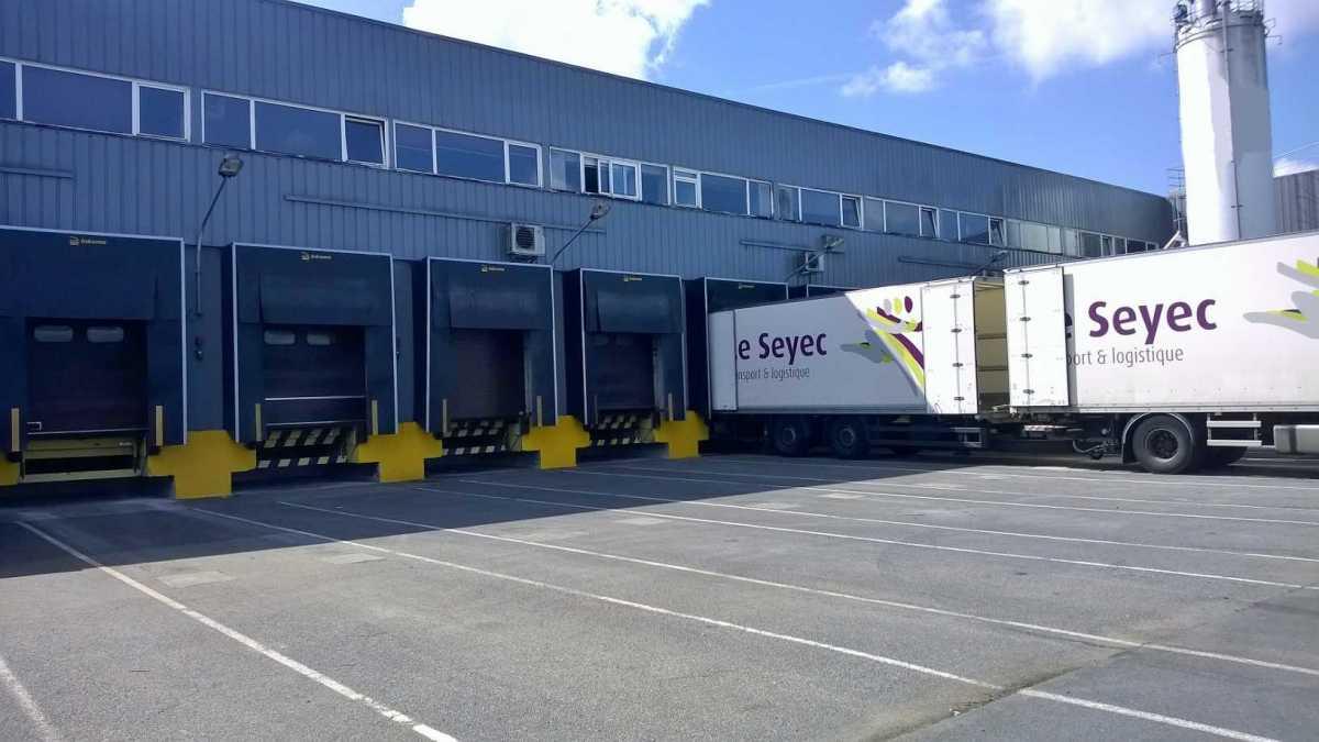 Entrepôt logistique / Usine agroalimentaire produits secs 25 000 m² divisibles – Centre –  Bourges – Tours – Poitiers – Blois