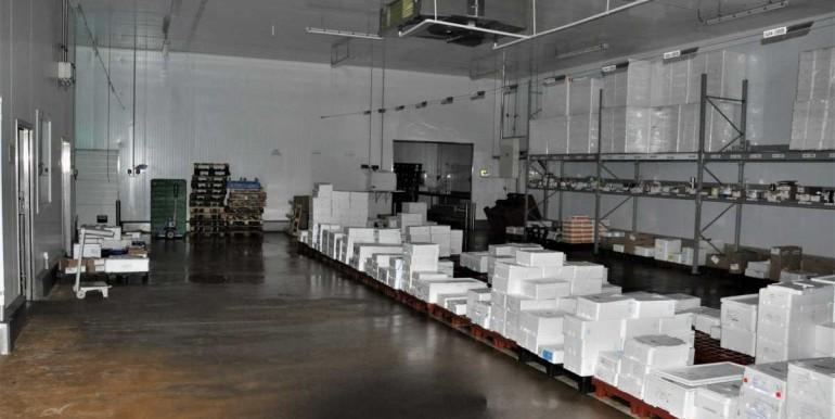 Plateforme logistique frais surgelés Rennes Bretagne 2400 m² entrepôt agroalimentaire