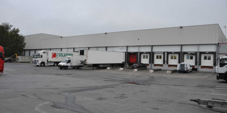 Plateforme logistique frais surgelés Rennes Bretagne 2400 m2 entrepôt agroalimentaire